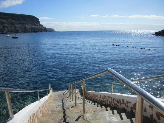 Hotel THe Puerto de Mogán: Trappen rett ut i havet