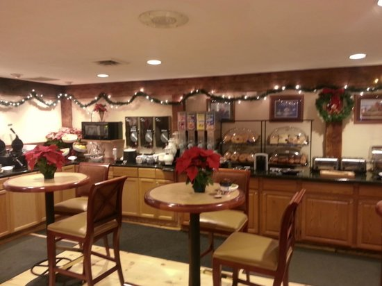 Best Western Inn & Suites Rutland-Killington: Continental Breakfast