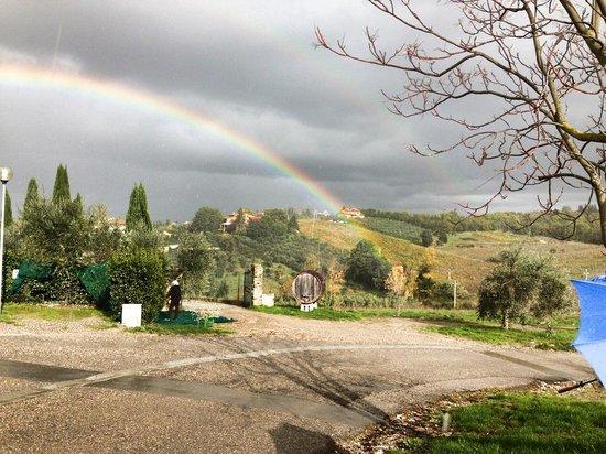 La Canonica di Cortine : Rainbow at the Villa Field
