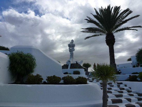 Customer Travel: Monumento Al Campesino