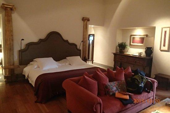 Inkaterra La Casona Relais & Chateaux: Comfy bed