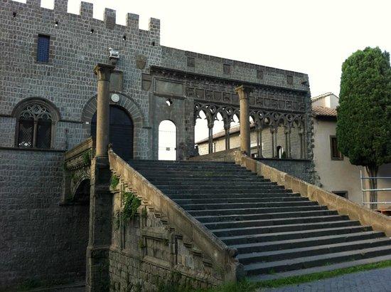 Viterbo Historic Centre: Rione San Pellegrino, Loggia dei Papi