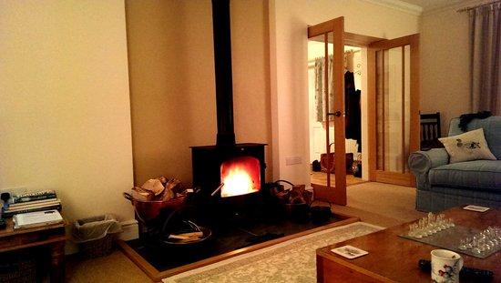 Hendersyde Farm Cottages: roaring fire