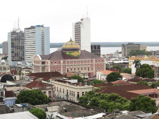 Hotel Saint Paul: Vue sur l'opéra de Manaus depuis le balcon de notre chambre
