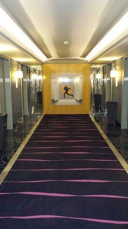 Borgata Hotel Casino & Spa: Lobby of 28th or 29th floor