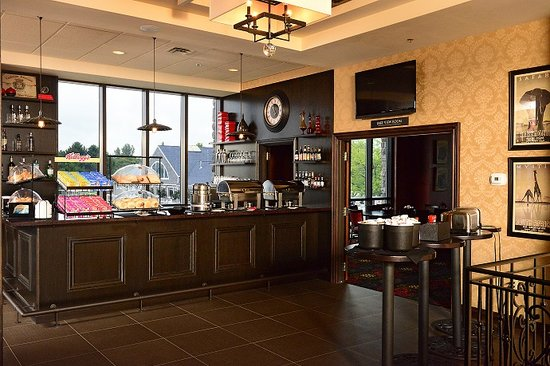 Shoreline Inn & Conference Center, an Ascend Hotel Collection Member: Hot Breakfast Daily from 6AM to 10AM Complimentary