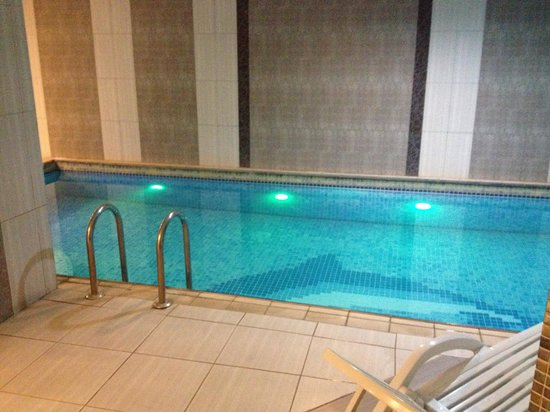 Hotel Sapphire: piscina