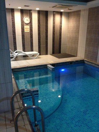 Hotel Sapphire: piscina2