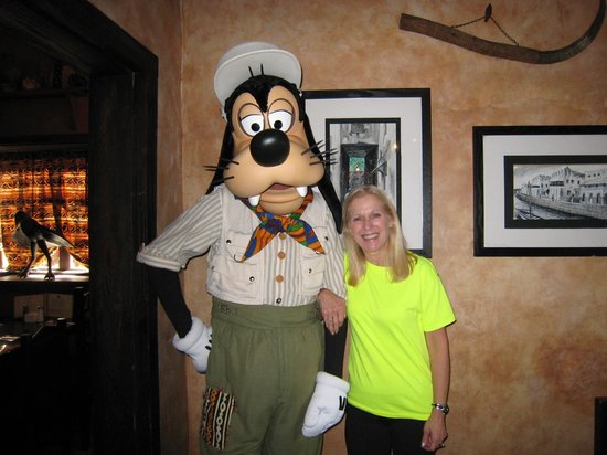 Tusker House: Hurray for Goofy