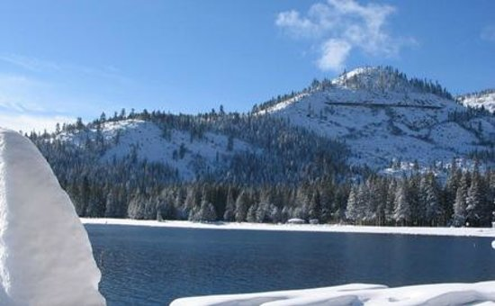 Donner Lake Village: Mountain and Donner Lake