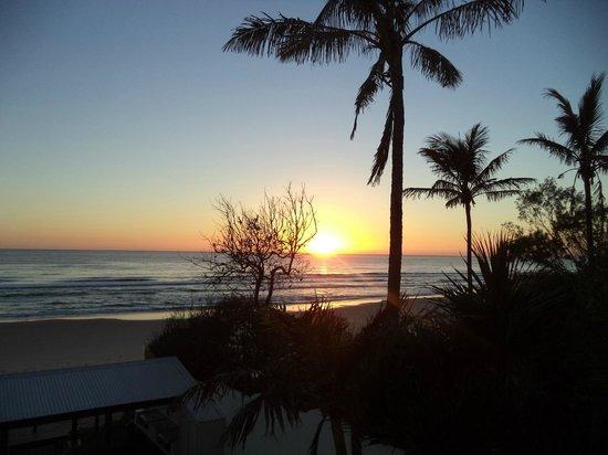 Spindrift On The Beach: Sunrise