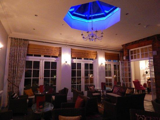 Milford Hall Hotel: Garden Room (Night)