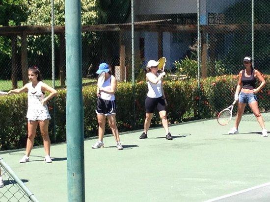Club Med Rio Das Pedras: aula de tênis adulto