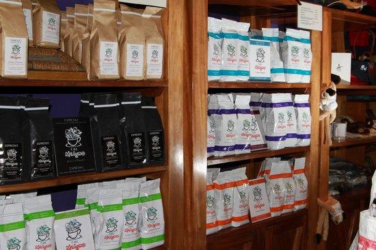 El Patio de Café Milagro - Manuel Antonio: COFFEE!!!