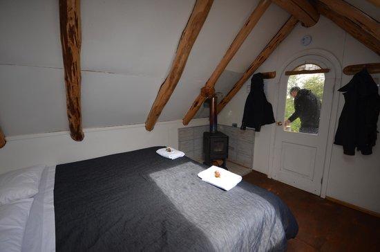 Refugio, Camping and Cabins Los Cuernos: room