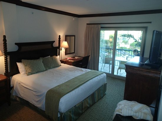 Waipouli Beach Resort: Our room was spacious & comfortable