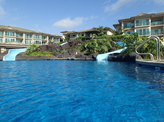 Waipouli Beach Resort: Beautiful Pool with double waterslides