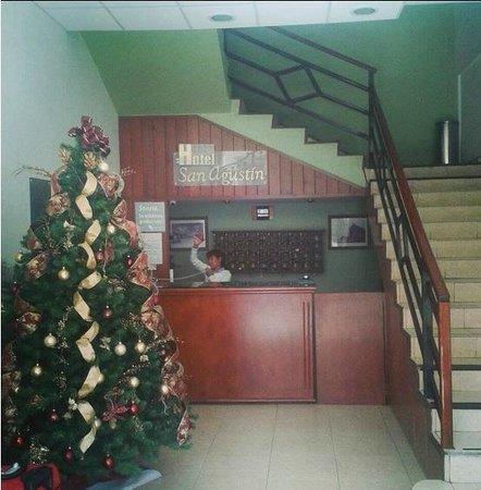 Hotel San Agustin: Recepción.