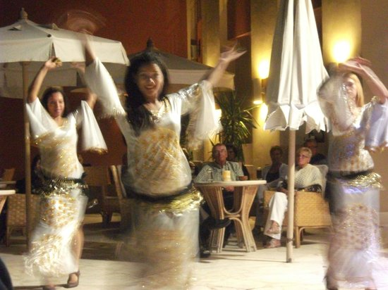 Downtown Bazaar: Belly dancing