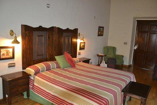 Hotel Sao Joao de Deus: Our first bedroom