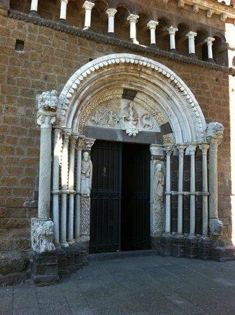 Santa Maria Maggiore, Portale centrale