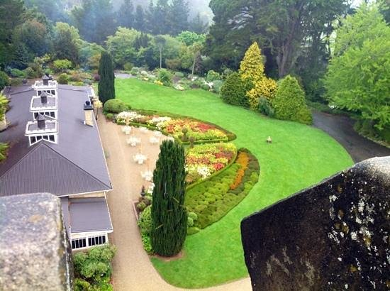 Larnach Castle Lodge : Garden from the Castle