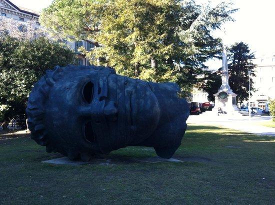 Parco Civico: Парк с фигурами