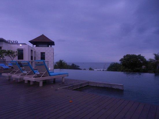 Pullman Bali Legian Beach: infinity pool