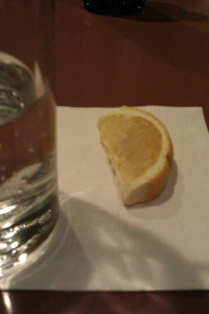 Red Rock Canyon: expired lemon wedge for water