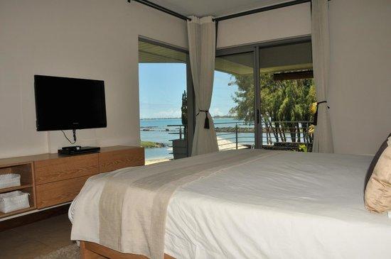 Bon Azur Beachfront Suites & Penthouses by LOV : Vue depuis la Chambre