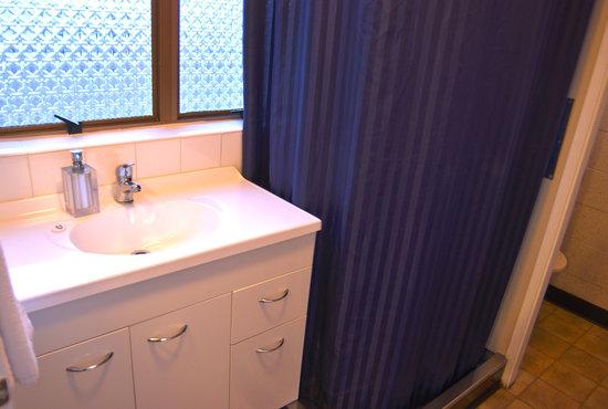 Barcelona Motel: Bathroom