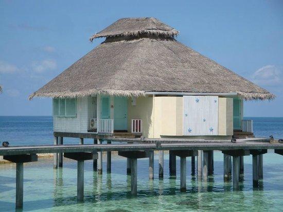 Ellaidhoo Maldives by Cinnamon: Wasserbungalow mit 2 Eingängen