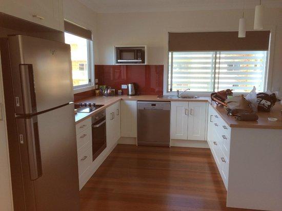 La Costa Motel: Apartment kitchen