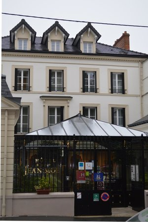 Hôtel Jean Moët : Hotel Exterior