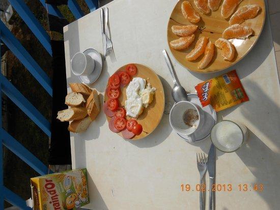 Residence la Paix : Breakfast at the Terrasse