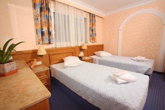 Hotel Noufara: SCHBRSTDTwin