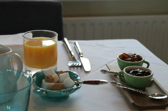 Pax Guest House: lovely breakfast