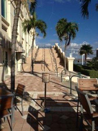 Tampa Marriott Waterside Hotel & Marina: Terrace/Promenade