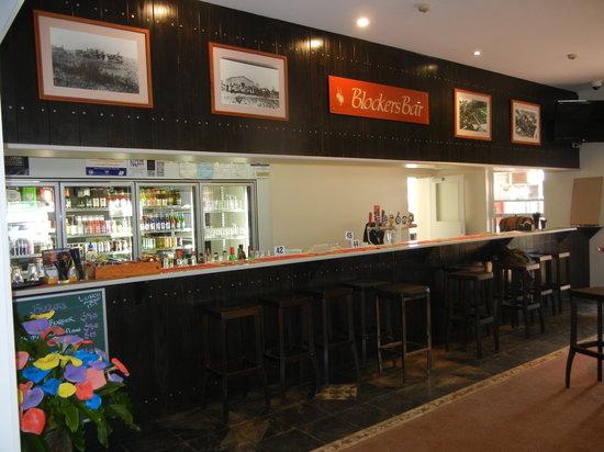 Parndana Hotel: Front Bar