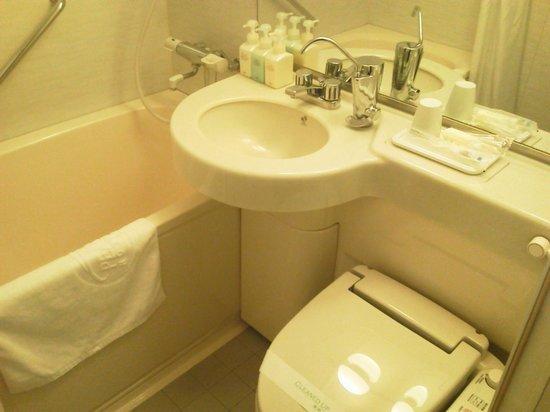 Pearl Hotel Yaesu: 浴室