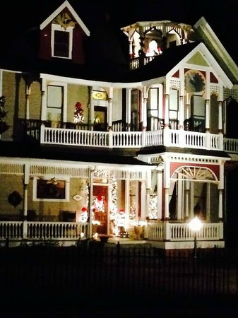 Chipley Murrah Bed & Breakfast: Decorated for Christmas...Beautiful!