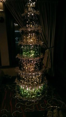 Kimpton Hotel Vintage Seattle : Wine Bottle Christmas Tree