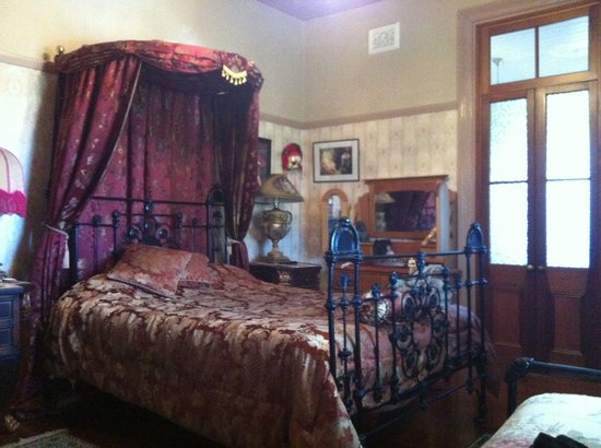 Sirens Bed And Breakfast : Our room