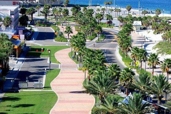 Beachwalk Inn: This be all new BeachWalk, town spend 42 million to update showers,bath,street light etc