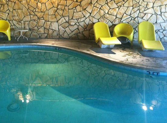 Silver Surf Motel : pool