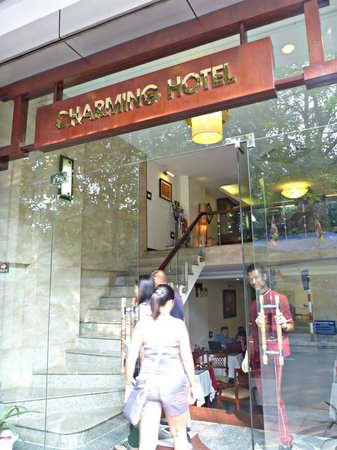 Hanoi Charming 2 Hotel: Welcome Home!