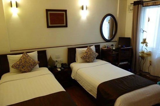 Hanoi Charming 2 Hotel: Spacious enough.