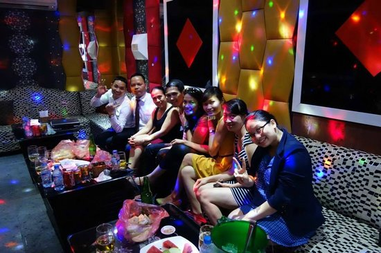 Hanoi Charming 2 Hotel: Our Vietnamese brothers and sisters!