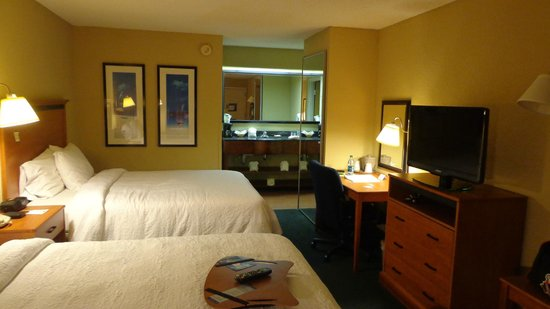 Hampton Inn Clearwater Central : Room Pic 3