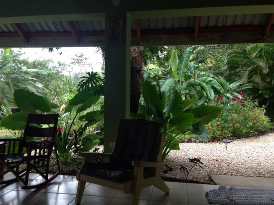 Rhodeside Bed and Breakfast: Gorgeous patio